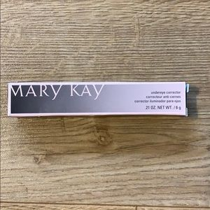 💋 3 for $20 - Mary Kay Undereye Corrector